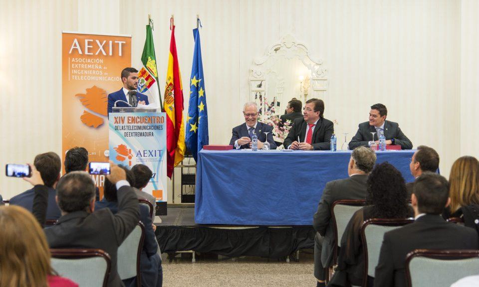 Entre otras cosas, Alfonso elogió la formación recibida en la Escuela Politécnica de Cáceres y nuestra tierra.